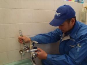 浴室シャワー水栓交換工事 神戸市長田区