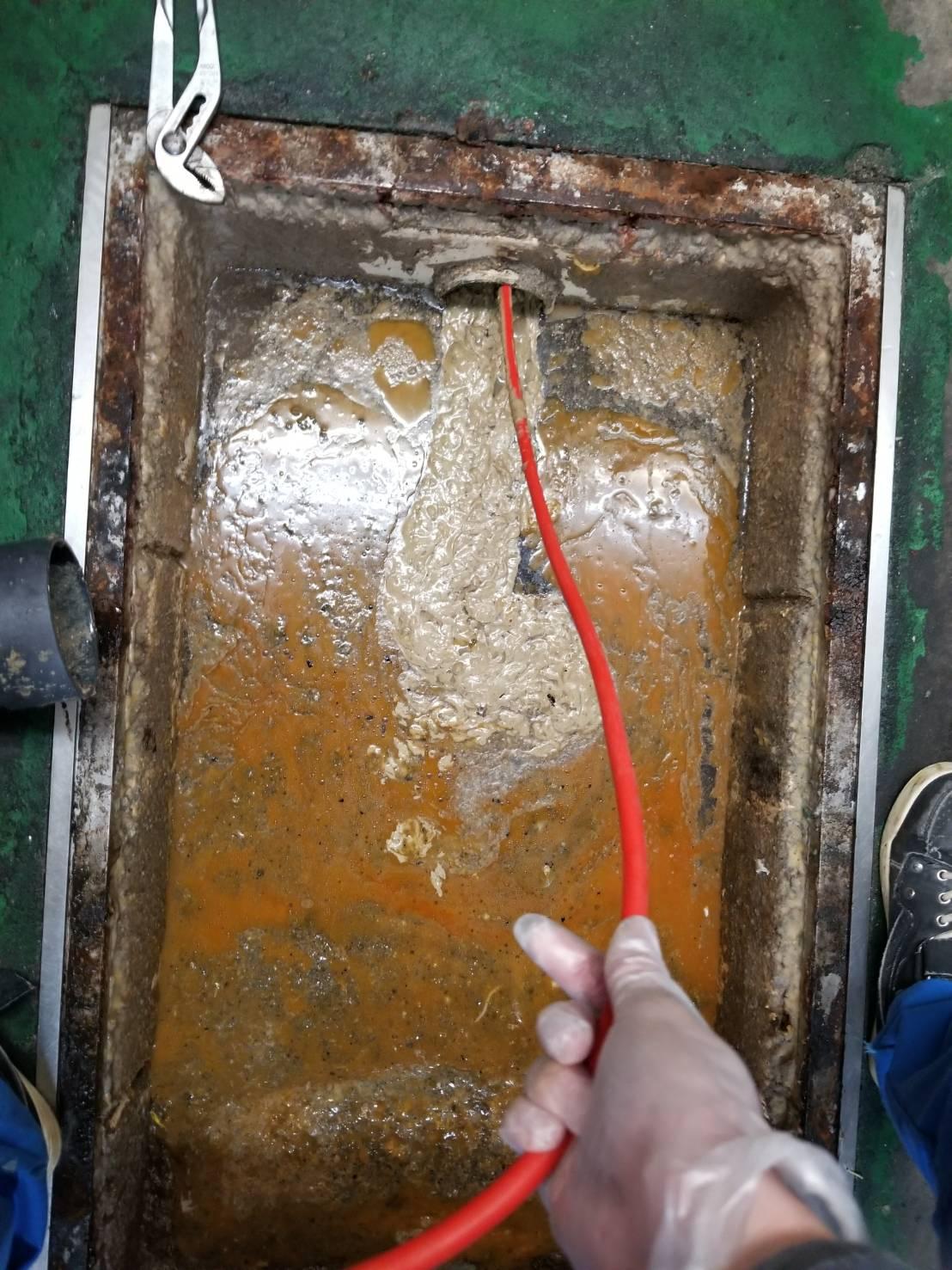 グリストラップ 配管洗浄