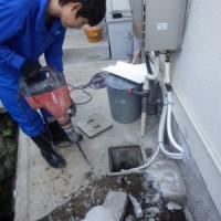 雑排水管 改修工事 作業中 トラブラン