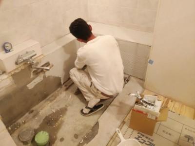 浴室 タイル貼替 ボンド塗布 トラブラン 三宮 中央区 兵庫