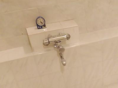 浴室水栓 施工前 リフォーム トラブラン ホテル浴室