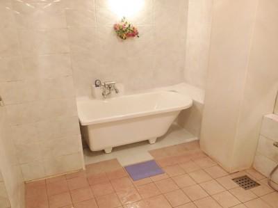 浴槽のリフォーム 交換 完成 据え置き型 湯船 トラブラン