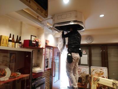 エアコン洗浄 養生 保護 清掃 神戸市 トラブラン