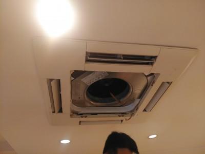 天井埋込型エアコン クリーニング 取付け作業 トラブラン