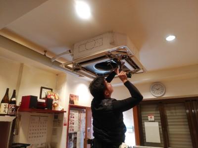 三菱エアコン 業務用 取付け作業 神戸市 トラブラン