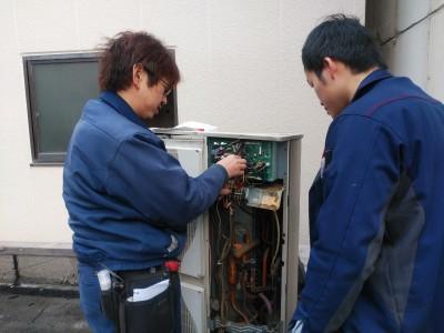 三菱エアコン 業務用 部材 取付け作業 神戸市 トラブラン