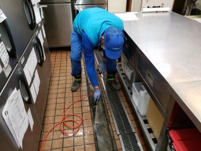 高圧洗浄作業 厨房 詰まり 汚物 神戸市 トラブラン