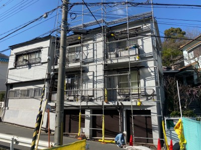屋根工事 足場設置 台風10号 被害 修繕工事 トラブラン