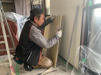 壁の補修 石膏ボード カット 取付け トラブラン