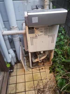 給湯器 給湯管引換え 工事 トラブラン 神戸市