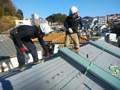 ガルバリウム鋼板 取付け カバー工法 設置 トラブラン