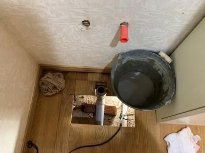 床下調査 漏水 洗面化粧台 交換 水染み トラブラン