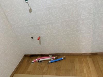 洗面化粧台 設置前 給湯管 給水管 引換え工事 トラブラン 神戸市