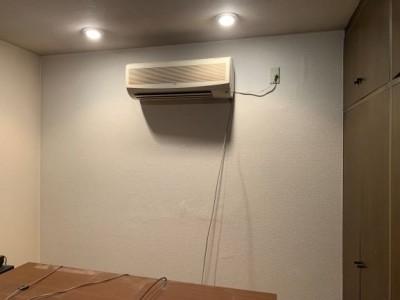 雨漏り 寝室 壁紙 張替え 神戸市 トラブラン