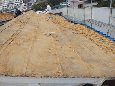 葺き土撤去 瓦屋根修繕  ガルバリウム鋼板 施工 トラブラン