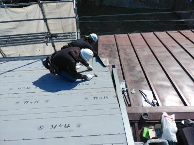 被害箇所 鋼板 カット 修繕 屋根補修 神戸市 トラブラン