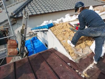 屋根瓦 葺き土 葺き替え 台風被害  トラブラン
