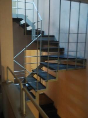 螺旋階段 雨漏り 修繕工事 戸建て トラブラン 神戸市