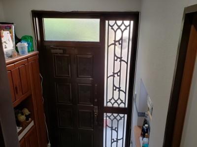 玄関ドア 扉 内側 交換前 トラブラン 神戸市