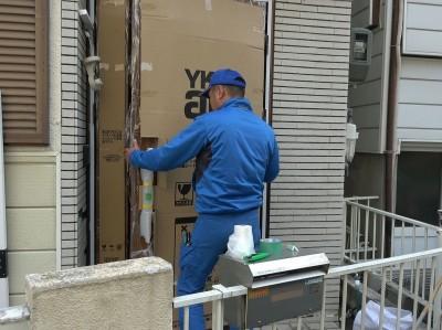 玄関ドア YKK かんたんリモドア 設置中 トラブラン 神戸市