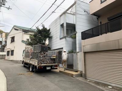 外壁塗装 足場 組立前 戸建て 神戸市 トラブラン