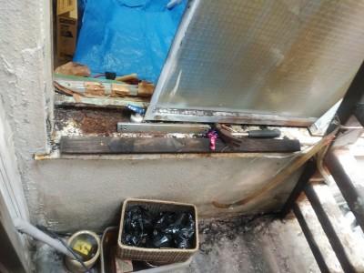 サッシの劣化 取り外し作業 神戸市 トラブラン