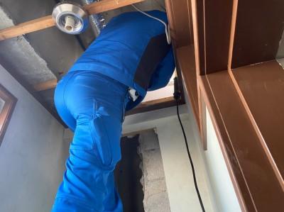 トイレ 天井 開口 漏水配管 修繕 トラブラン