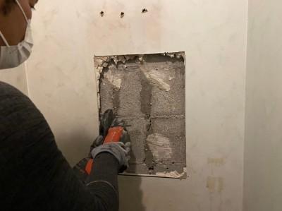漏水 一次対応 トイレ配管 壁開口 ホテル 神戸市 トラブラン