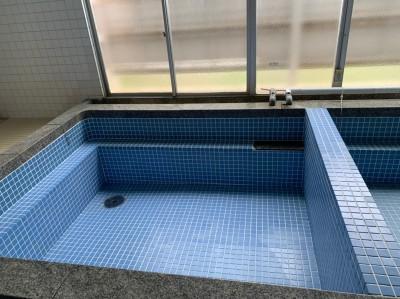 タイル 張り直し 作業後 浴槽 寮 トラブラン 神戸市