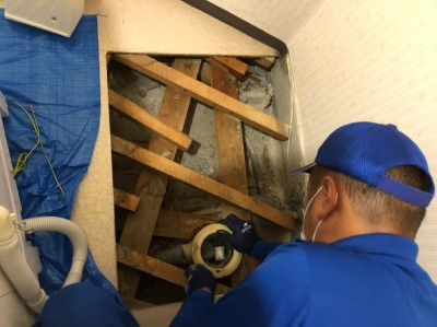 洗濯機パン取替 排水トラップ取外し 施工中 トラブラン 神戸