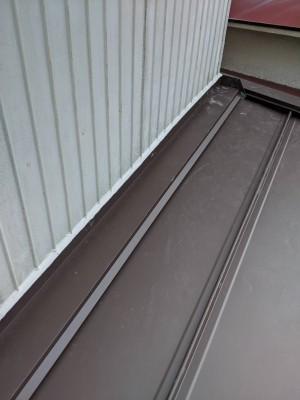 納屋 庇 軒 修繕 貫板 棟板金 設置 コーキング 神戸市 トラブラン