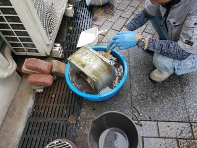 シロッコファンの洗浄 作業中 コロナ対策 補助金制度 神戸市 トラブラン