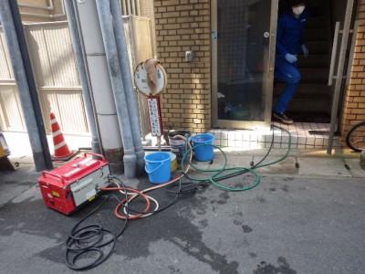 受水槽内 洗浄 高圧洗浄機 洗浄 トラブラン 神戸市