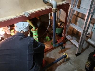 ビル 作業中 ポンプ 取替え 神戸市 中央区 トラブラン