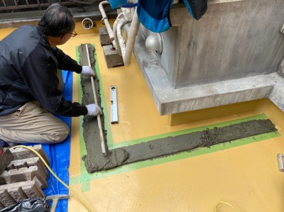 目隠し フェンス 土台 重量 モルタル 作業中 神戸市 トラブラン