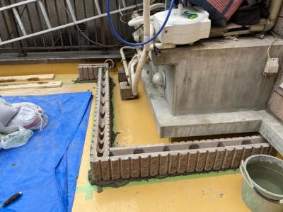 土台の作成 化粧ブロック 店舗の屋上 神戸市 トラブラン リフォーム