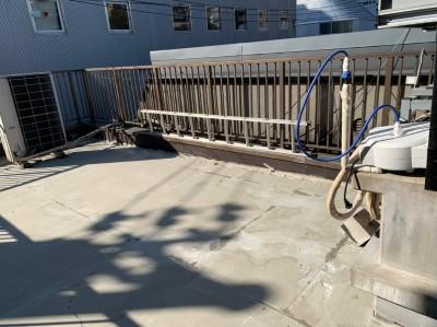 屋上 防水作業 プライマー処理 防水加工 トラブラン 神戸市
