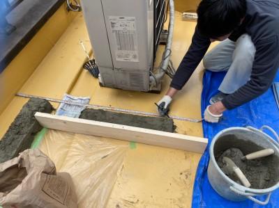 目隠し フェンス 土台 重量 モルタル 店舗 作業中 神戸市 トラブラン