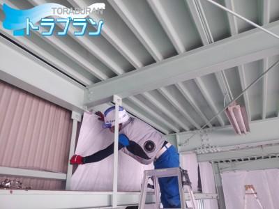 新事務所 改修工事 ホワイトシート張り 施工中 神戸市 トラブラン