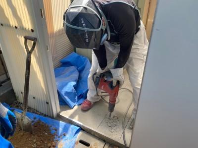 桝交換工事 モルタル 斫り作業 排水管 神戸市 トラブラン