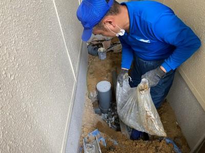 マスの取替え 作業中 排水マス 汚水桝 神戸市 トラブラン