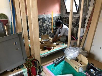 賃貸物件 浴室取替え工事 作業中 LIXIL 神戸市 トラブラン