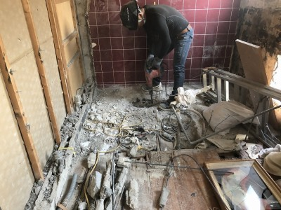 浴室解体作業 マンションリフォーム 賃貸物件 神戸市 トラブラン