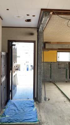 玄関 開口作業 作業中 賃貸マンション 神戸市 トラブラン