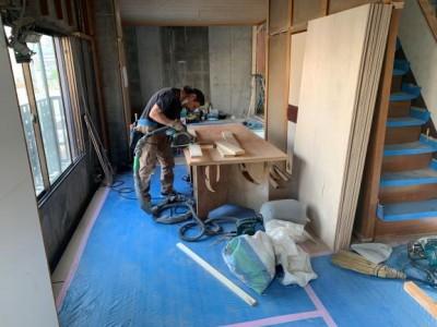 内装 構造材 作業中 リフォーム 神戸市 兵庫区 トラブラン