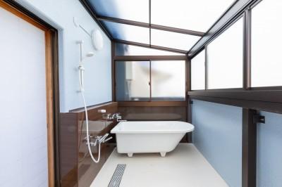オーダー浴室完成 浴槽 ベランダ改装 オーナー様 神戸市 トラブラン