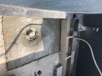 ベランダ モルタル 浴室の設置 オーダー浴室 神戸市 トラブラン
