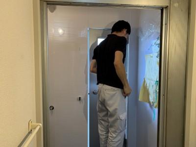 浴室リフォーム 作業中 パネル工法 短期施工 神戸市 トラブラン