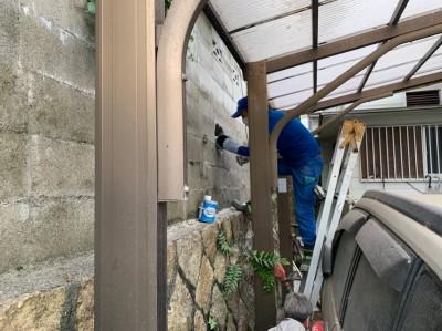 配管 雨水管 排水管 塀 貫通 引換え工事 神戸市 トラブラン