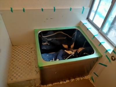 浴室 壁 床 タイル 剥がし 床斫り パネル工法 養生 段差 工事 神戸 トラブラン